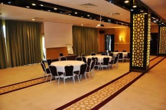 maestro dmc merit royal premium meeting room 1
