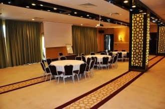 maestro dmc merit royal premium meeting room 1
